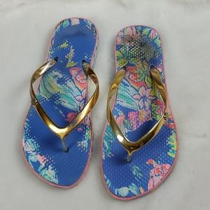 Lilly Pulitzer flip flops size 10-10.5 in